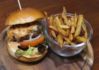 Burger savoyard et frites maison